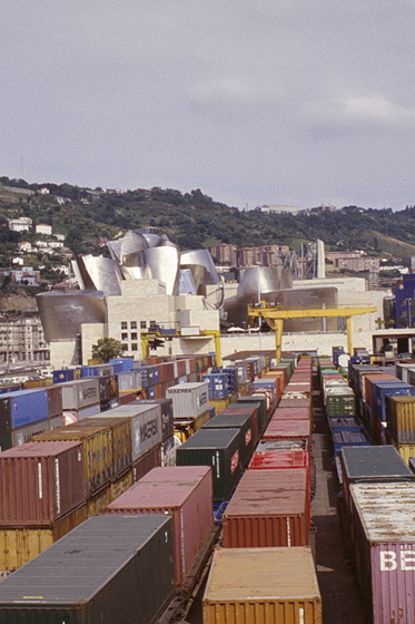 "F. GEHRY, BILBAO: ""CONTAINER TERMINAL"""