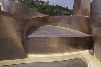 "F. GEHRY, BILBAO: ""BETWEEN CATIA AND NATURAL SLOPE"""
