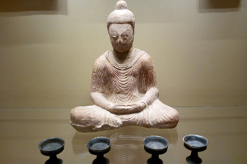sitting buddha 8th cent