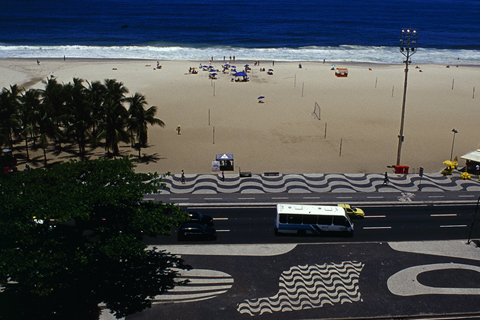 "R. BURLE MARX, RIO DE JANEIRO: ""MOSAIC TROUGH TRAFFIC BETWEEN BUILDINGS AND SAND"""