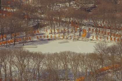 "CHRISTO AND JANNE-CLAUDE, NEW YORK: ""CIRCLE, CURVES AND LINE"""