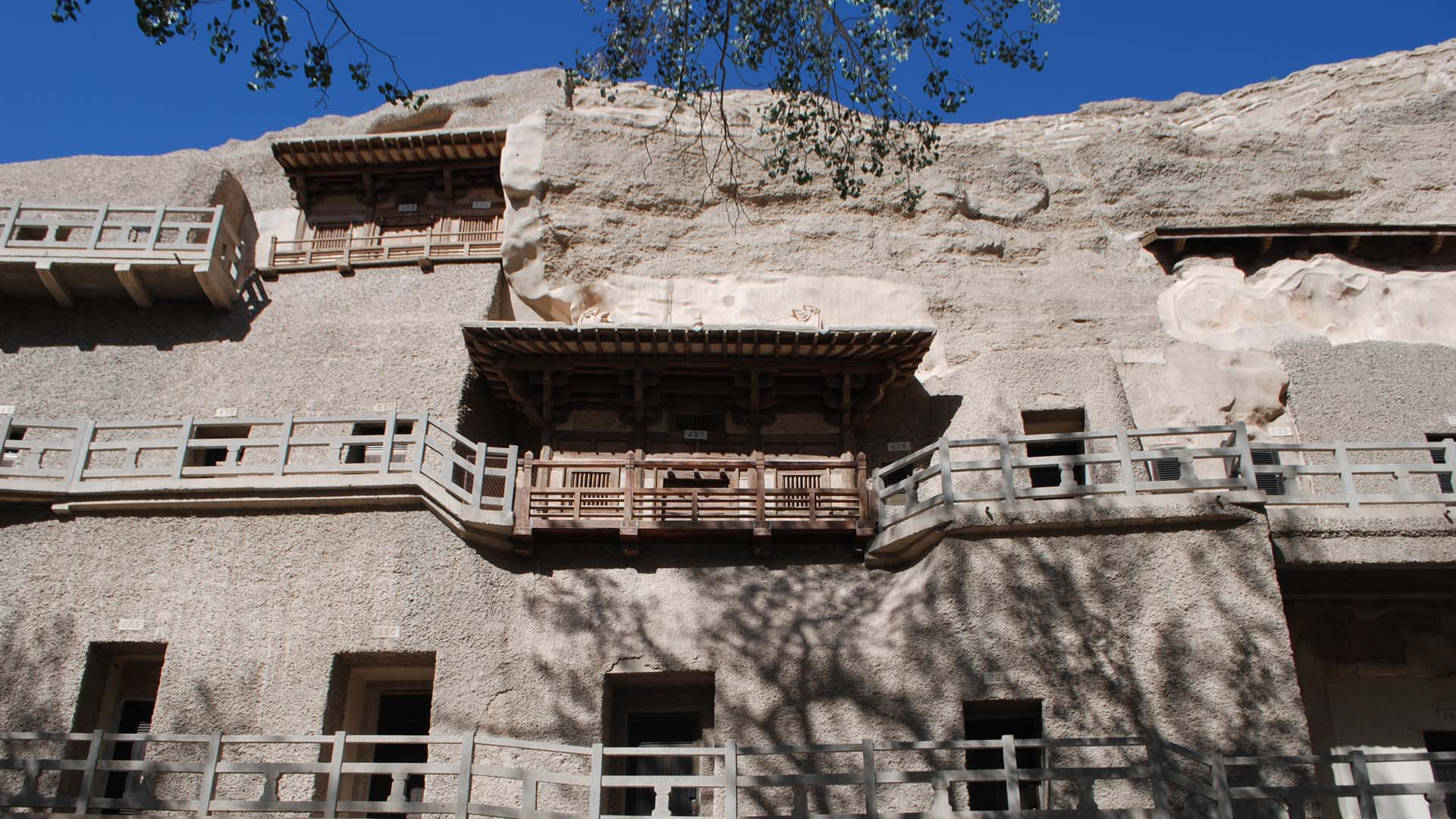 MOGAO CAVES, WESTERN WEI PERIOD, 6TH CENTURY (restored 1980)